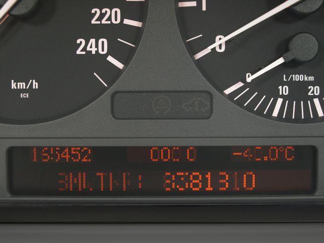BMW BMW 7ER E38 error pixel
