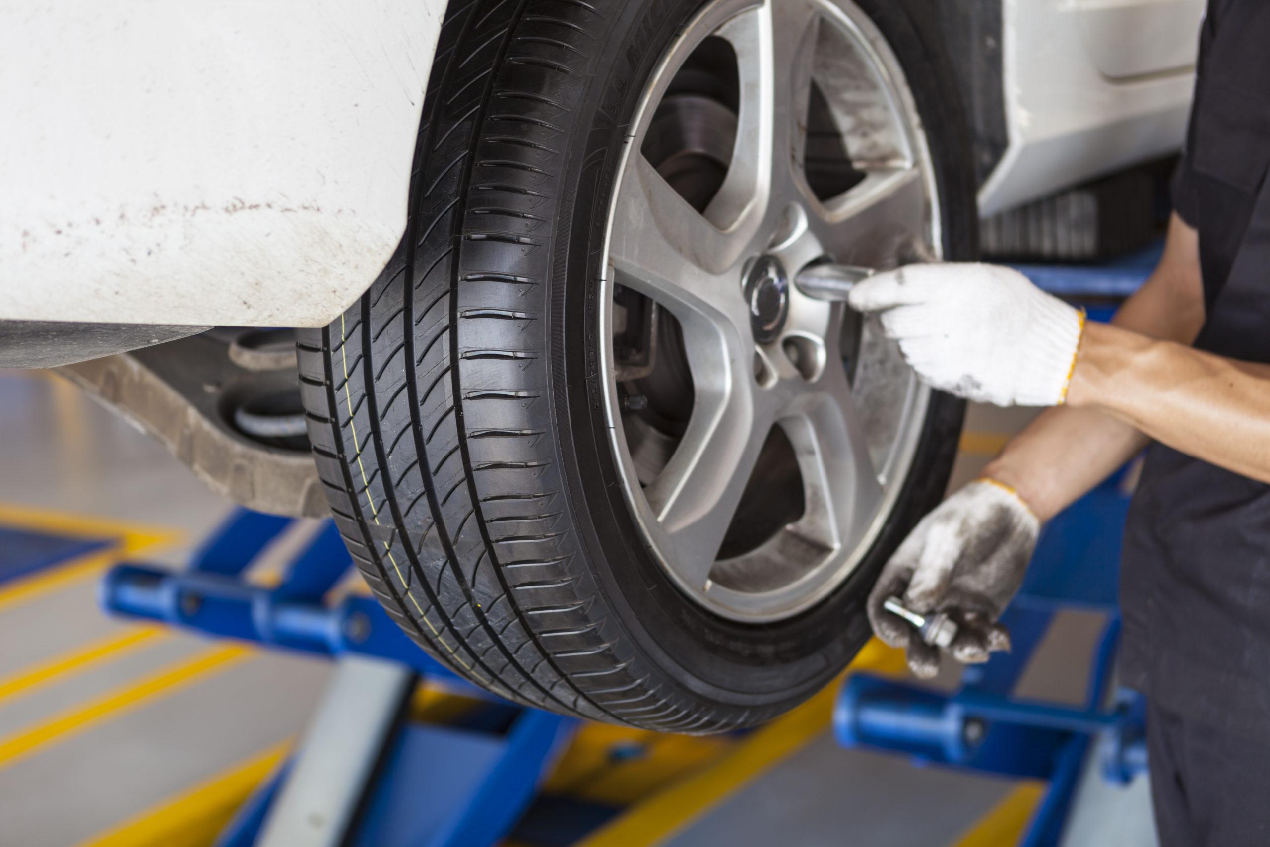 Cambio de neumáticos en Granada   Imporauto