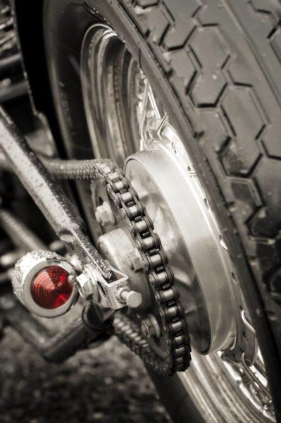 Diferencia entre la cadena y la correa de distribución - Taller Mecánico